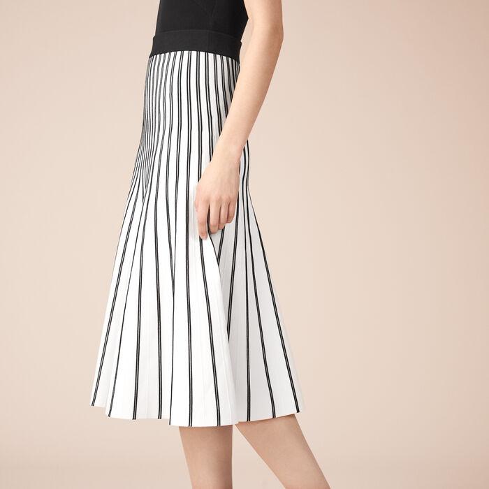 Falda de largo medio de punto a rayas -  - MAJE