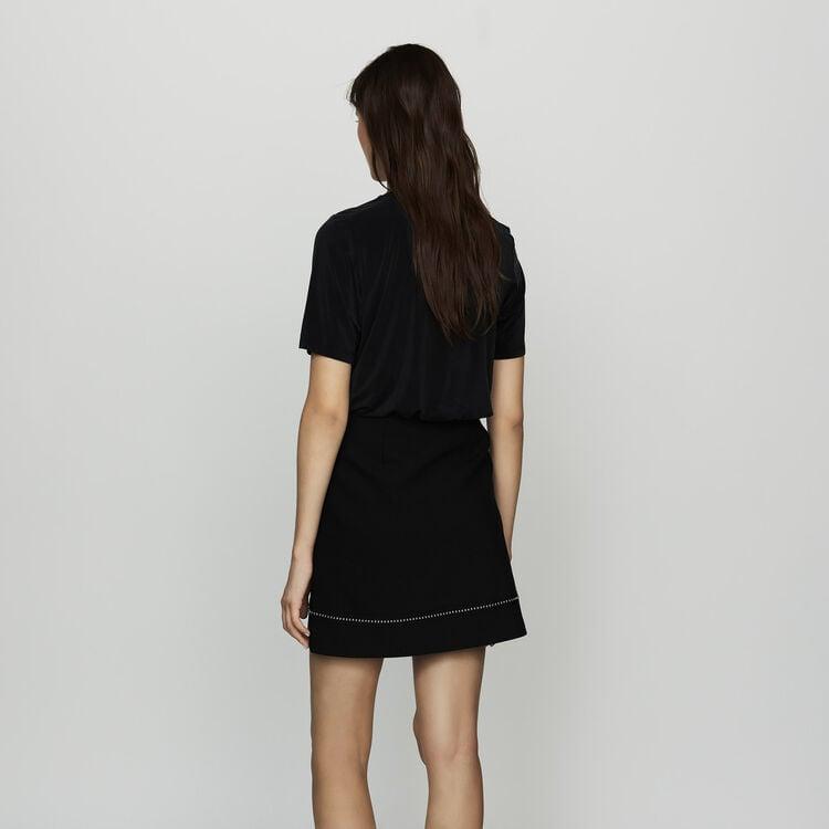 Falda corta en crepé con tachuelas : Ver todo color Negro