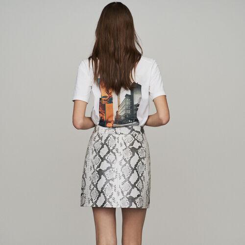 Falda corta de cuero efecto píton : New in : Colección Verano color IMPRIME