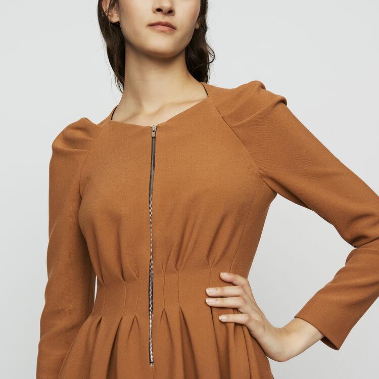 Vestido patinadora con detalles plisados : Vestidos color Camel