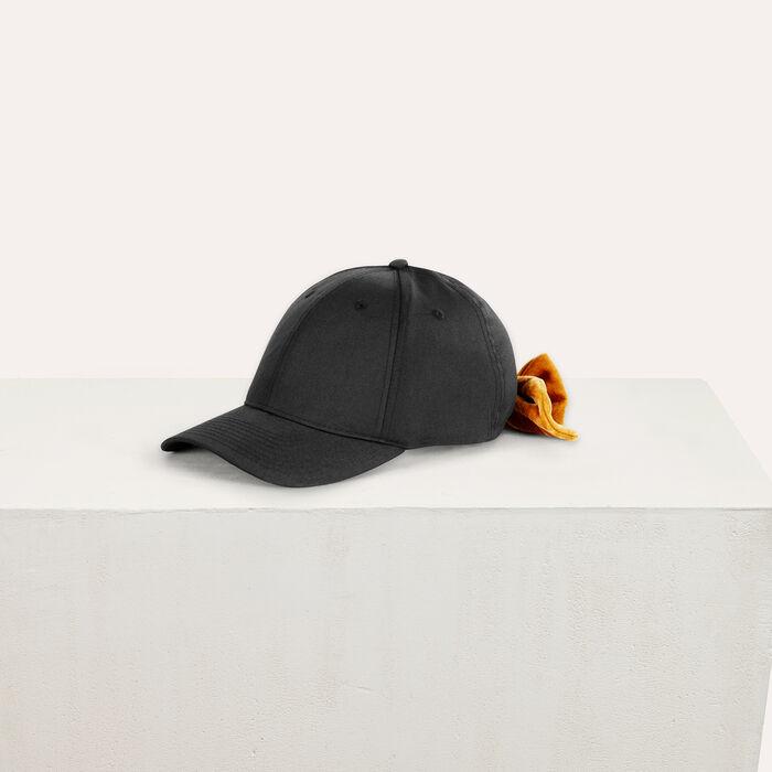 Gorra de 6 piezas con lazo de terciopelo : Accesorios color Negro