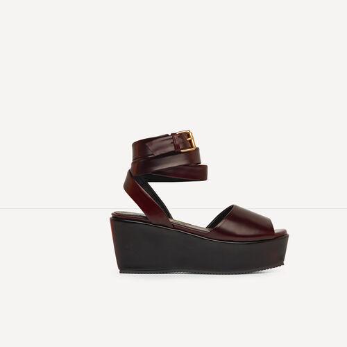 Sandalia con cuña de piel lustrada : Accesorios color Negro