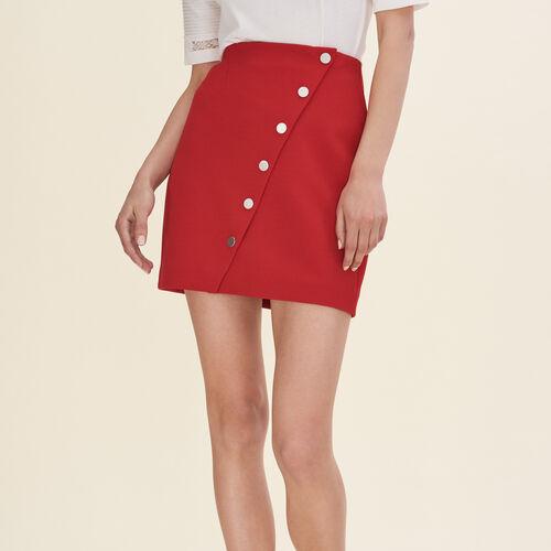 Falda corta con automático : Faldas y shorts color Camel