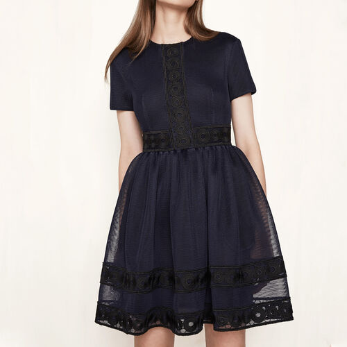 Vestido de tejido de malla con guipur : Colección color Noche