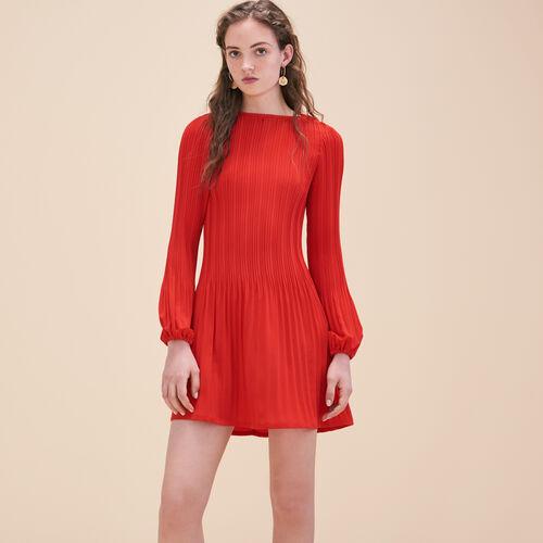 Vestido ablusado plisado de crepé - Vestidos - MAJE