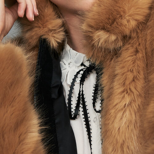 Cazadora corta de piel falsa : Cazadoras color Camel
