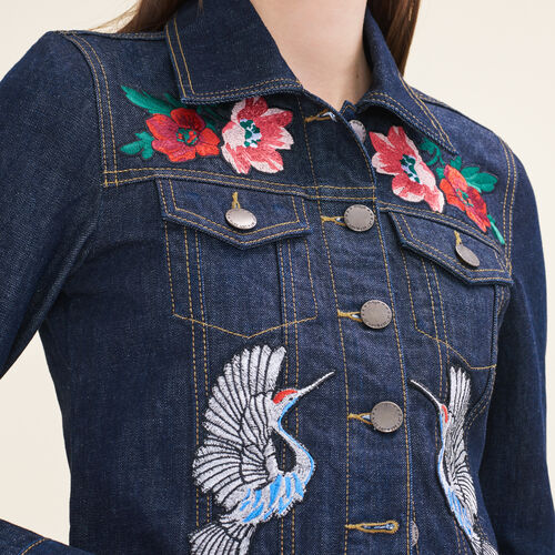 Chaqueta de denim con emblemas bordados : Chaquetas y cazadoras color Denim