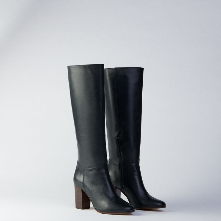 Heeled smooth leather boots : Botas y Botines color Negro