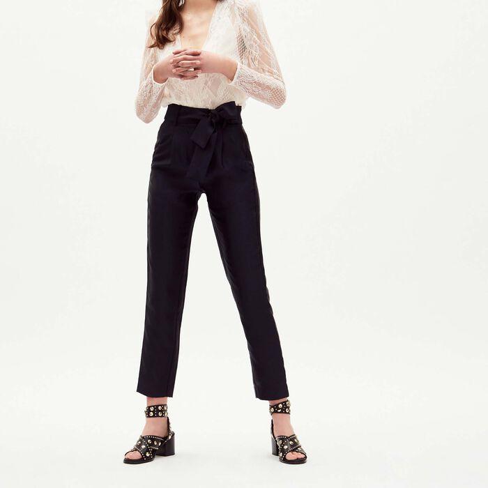 Pantalón de pinzas con cinturón : Majexclusive color Azul Marino