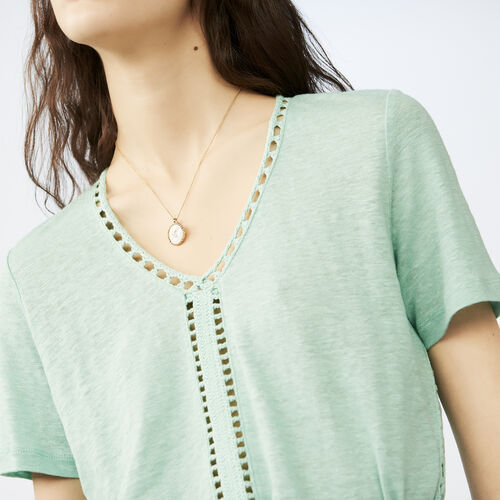 Linen t-shirt with perforated details : T-Shirts color Azul Marino