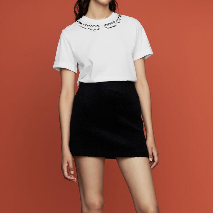 Camiseta con bordados : Nueva Colección color ECRU