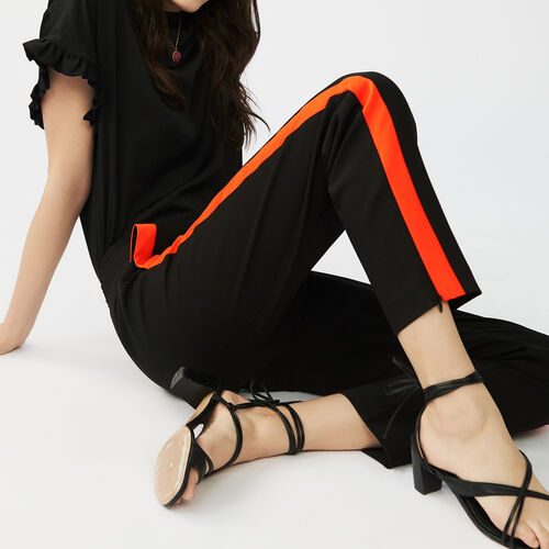 Trousers with band : Pantalones color Negro