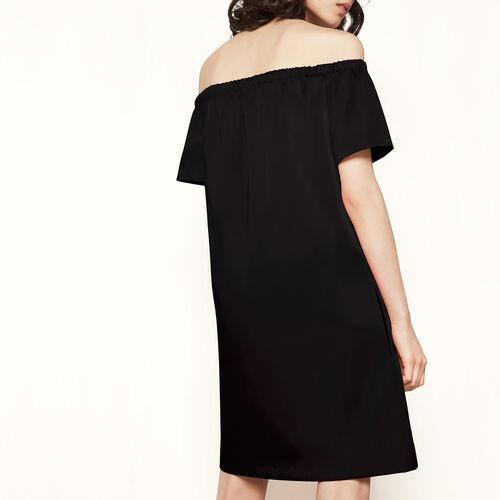 Vestido satén con hombros descubiertos : Vestidos color Negro