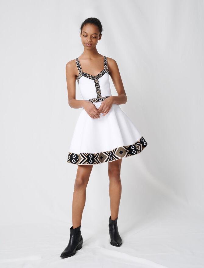 Vestido con vuelo de punto blanco - Vestidos - MAJE