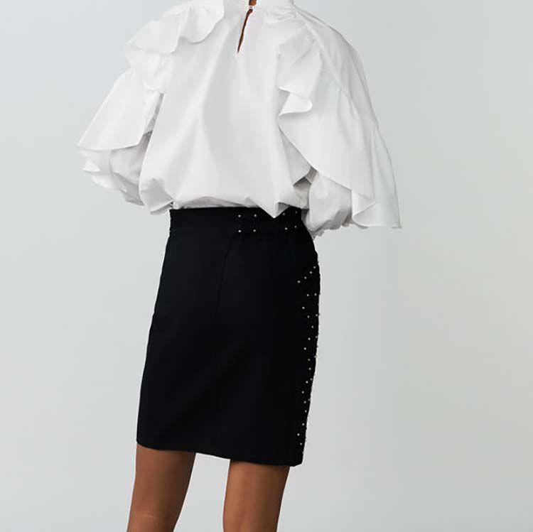 Falda corta con tachuelas y bordados : Faldas y shorts color BLEU NUIT