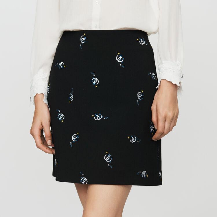 Falda trapecio con bordado fantasía : Faldas y shorts color Negro