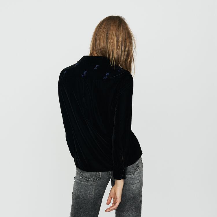 Blusa bordada de terciopelo : Camisas color Negro
