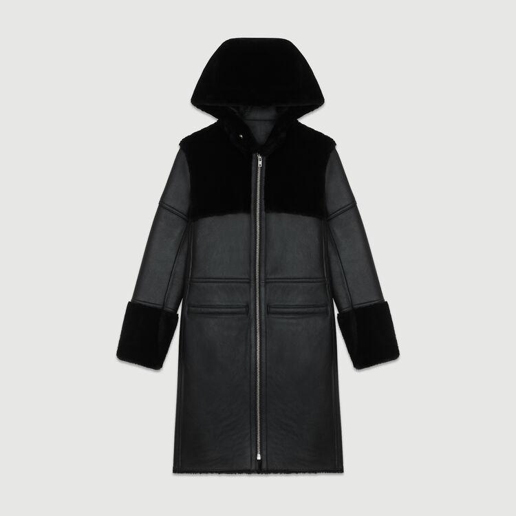 Piel de lana larga con juego de materias : Abrigos color Negro