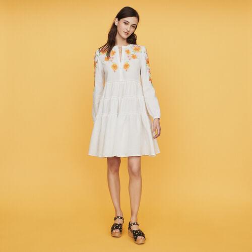 Vestido de lino con bordados : Vestidos color Blanco