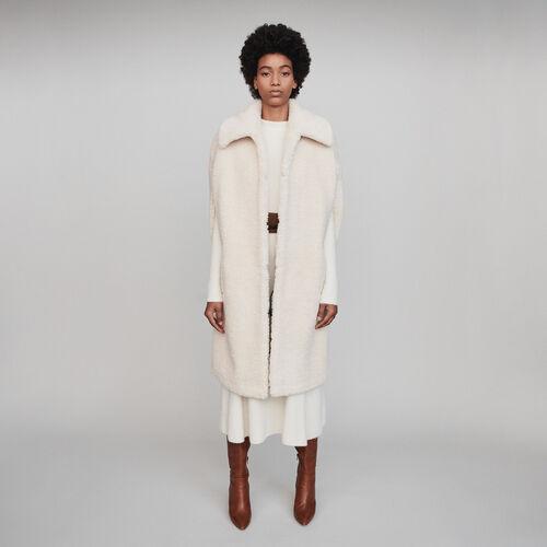 Abrigo de falsa piel tipo capa : Colección invierno color Crudo