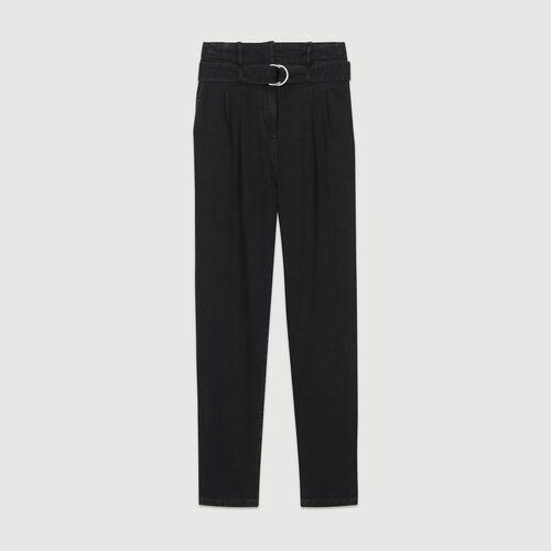 Pantalón con pinzas de denim : Pantalones color Negro