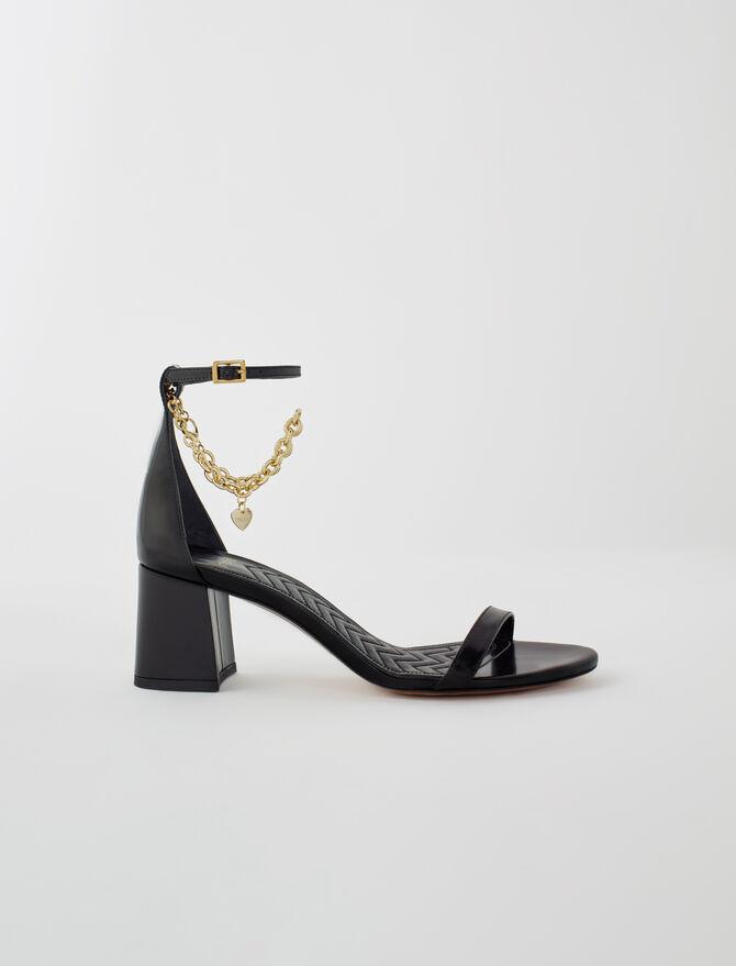 Sandalias de tacón medio y cadena dorada - Zapatos de tacón - MAJE