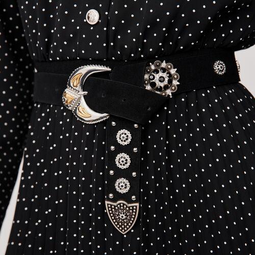 Cinturón en gamuza con tachuelas : Cinturones color Negro