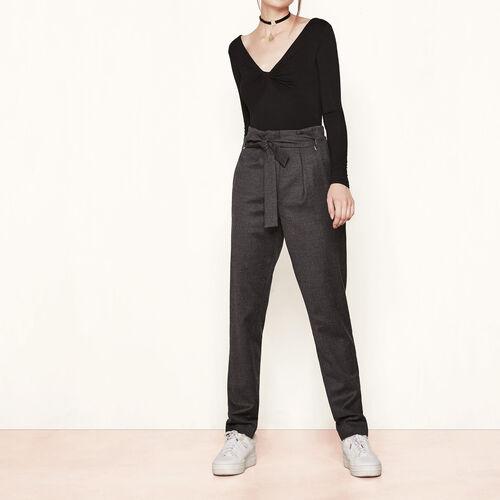 Pantalón de talle alto de lana virgen : Pantalones y vaqueros color Gris