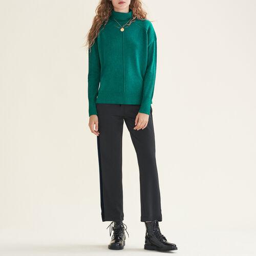 Jersey de cachemira con cuello vuelto : Jerseys y cárdigans color Crudo
