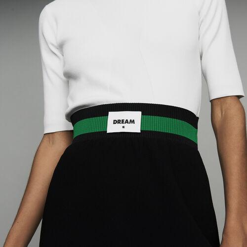 Falda corta de crepé : Faldas y shorts color Negro