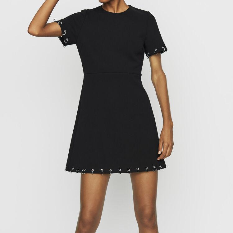 Vestio de crepé con ojales y anillos : Vestidos color Negro
