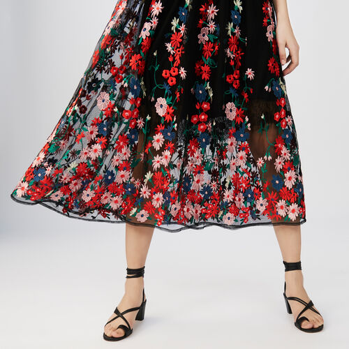 Long dress embroidered : Vestidos color Negro