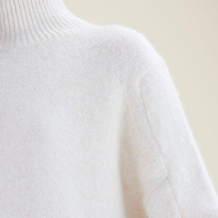 Jersey con cuello alto : Jerseys y cárdigans color Crudo