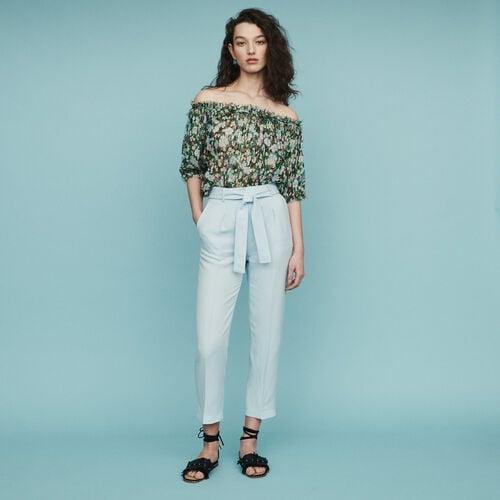 Pantalón con pinzas : Pantalones color Azul Celeste