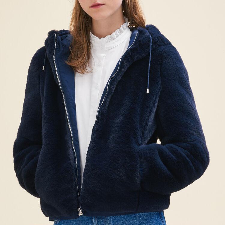Kurze Jacke aus Kunstpelz : Cazadoras color Azul