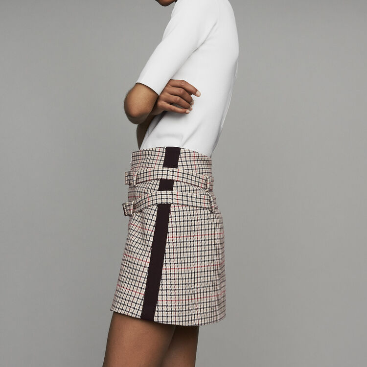 Short trompe -l'oeil de cuadros : Office girl color CARREAUX